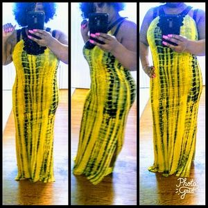 Dresses & Skirts - Beautiful maxi dress